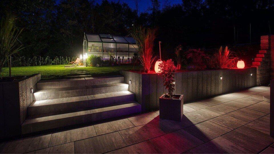 روشنایی محوطه خانه هوشمند